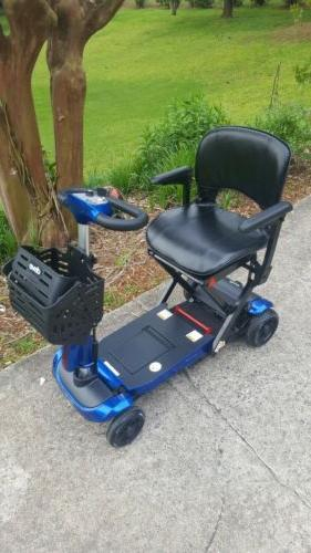 Brand New Medical ZooMe Auto-Flex Folding Scooter bundle